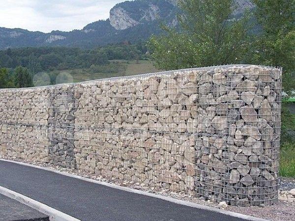 Заборы из камня
